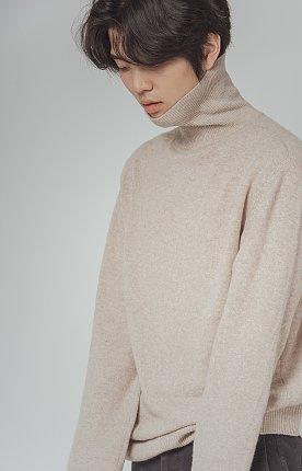 에디(Eddie) 터틀넥 스웨터