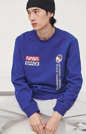 NASA 플리스 맨투맨