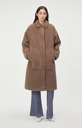 OVERSIZED POCKET FAUX-SHEARLING COAT (CAMEL BROWN)