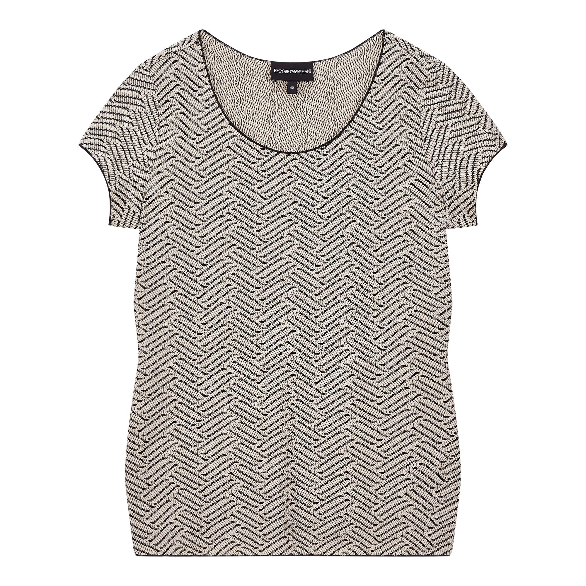 사선 패턴 라운드 티셔츠