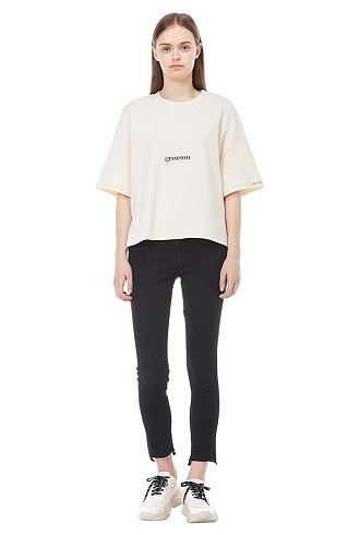 ★캠핑클럽 성유리 착용★백 프린트 티셔츠