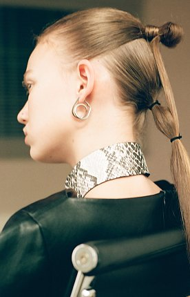 small coil itself earrings - silver 뱅뱅 후프 귀걸이 실버색상