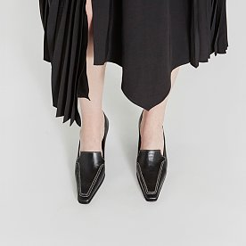 LEATHER HEELED LOAFERS (BLACK/STITCH)