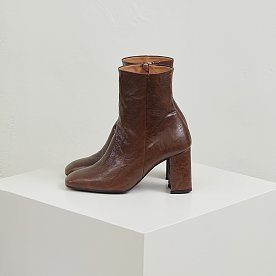 LEATHER ANKLE BOOTS (BROWN)
