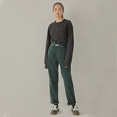 [소윙바운더리스] PIN TUCK WIDE CORDUROY PANTS GREEN