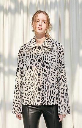 Leopard printed faux-fur jacket