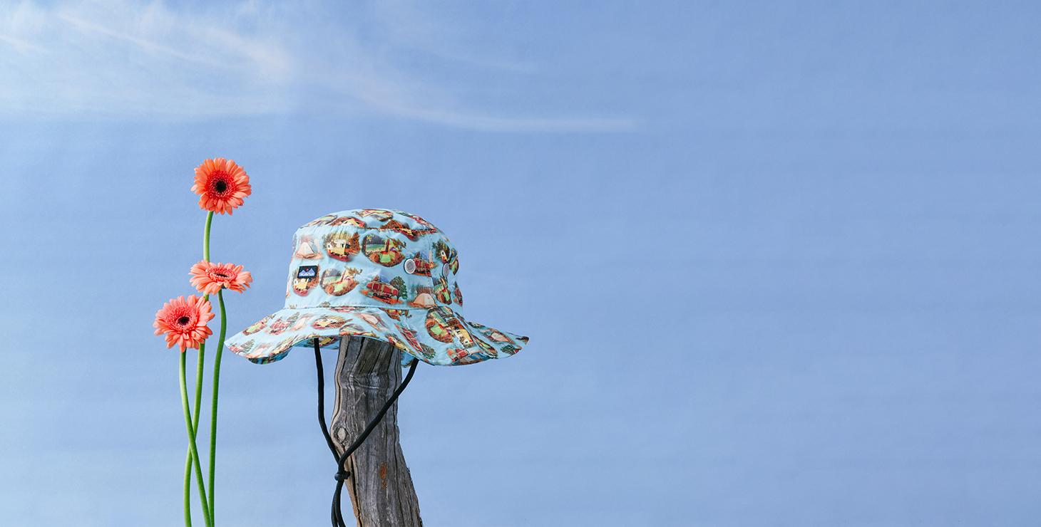 한 여름을 위한 치트키, 모자&샌들