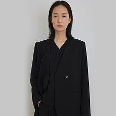 Autumn sleek black jacket