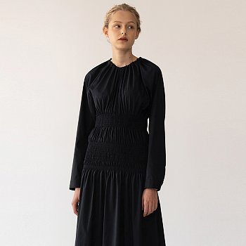[FW20 ESSENTIAL] Double Smocked Dress Navy