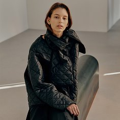 Insulated quilted oversized jacket with scarf set