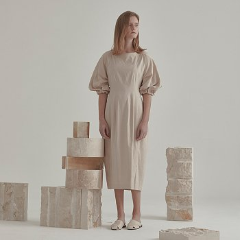 [강세정 착용] Arne Volume Sleeve One-Piece_Beige