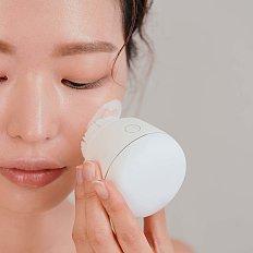 UV 살균으로 더 깨끗한 페이셜 클렌저