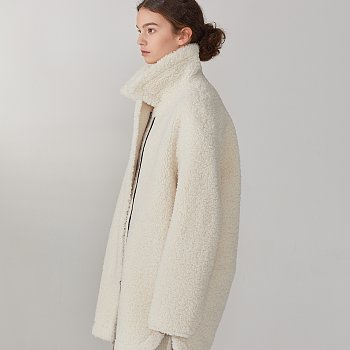 [이성경,손나은 착용] MOUTON Faux-Shearing Reversible Middle Mustang Coat_Ecru Ivory