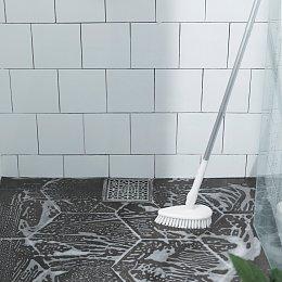깨끗한 욕실 청소솔