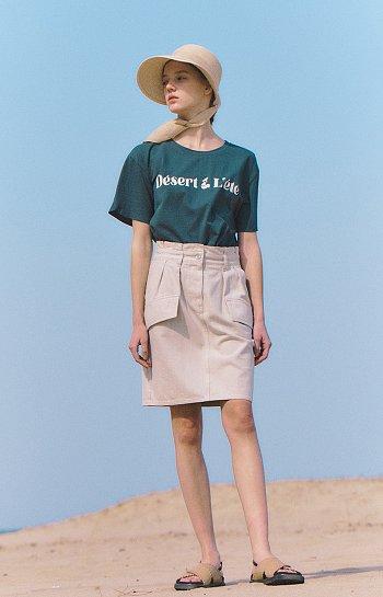 슬릿 소매 레터링 티셔츠